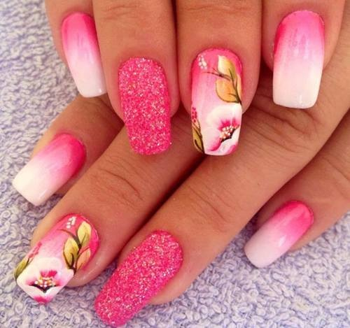 Розовый ногти