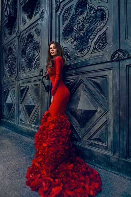 Red Dress With Ruffled Train Pictures Photos And Images