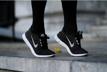 super-saler.biz - Black nike black running shoes