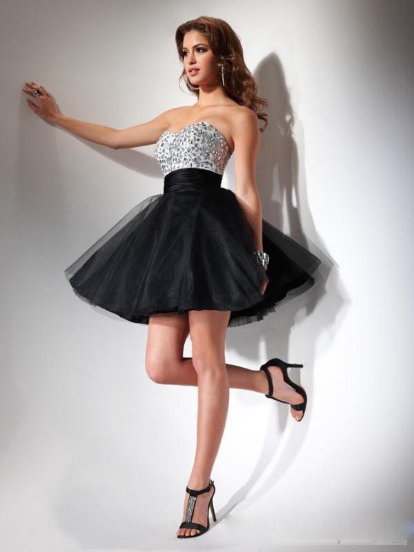 Fun Flirty Black Short Dress With Full Skirt Pictures Photos and ...