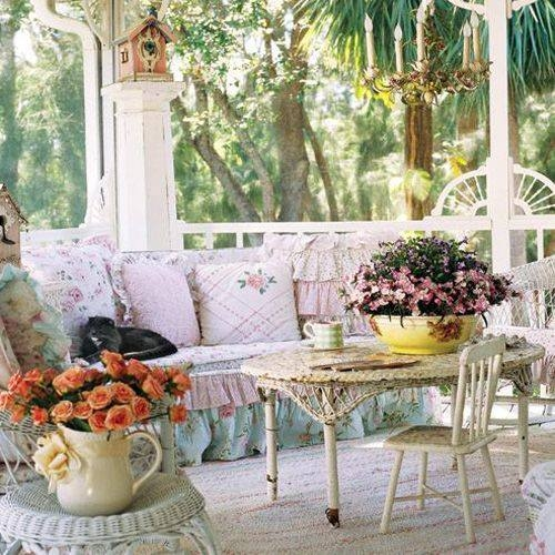 Pretty front porch pictures photos and images for for Decoration jardin shabby