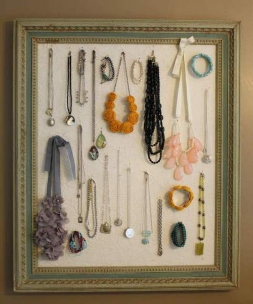 Unique way to organize store display jewelry pictures for Clever ways to store jewelry