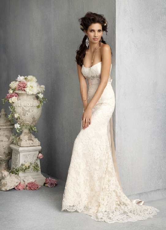 Italian Lace Strapless Wedding Gown