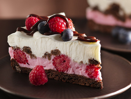 recipe: strawberry and raspberry cake [8]