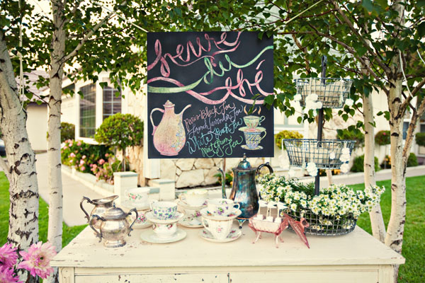 Outdoor garden tea party pictures photos and images for facebook tumblr pinterest and twitter - Backyard patio design ideas to accompany your tea time ...