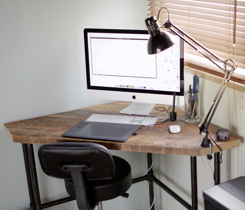 7 DIY Industrial Desks You Can Make