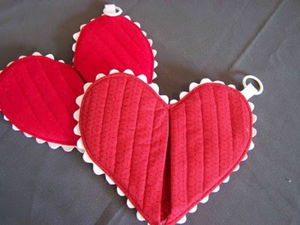 10 heart shaped diy craft ideas