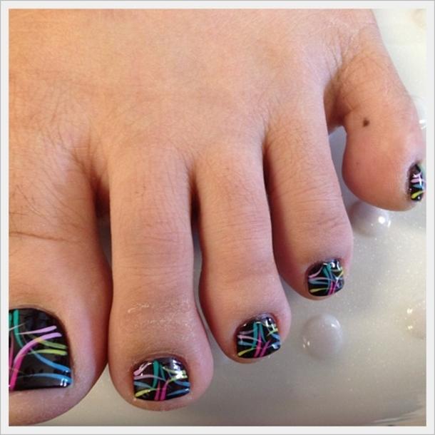 10 Pretty Toe Nail Art Designs