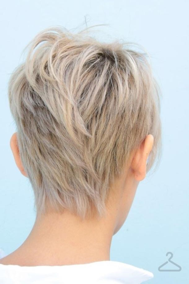 Женские стрижки на короткие волосы вид сзади и спереди с челкой