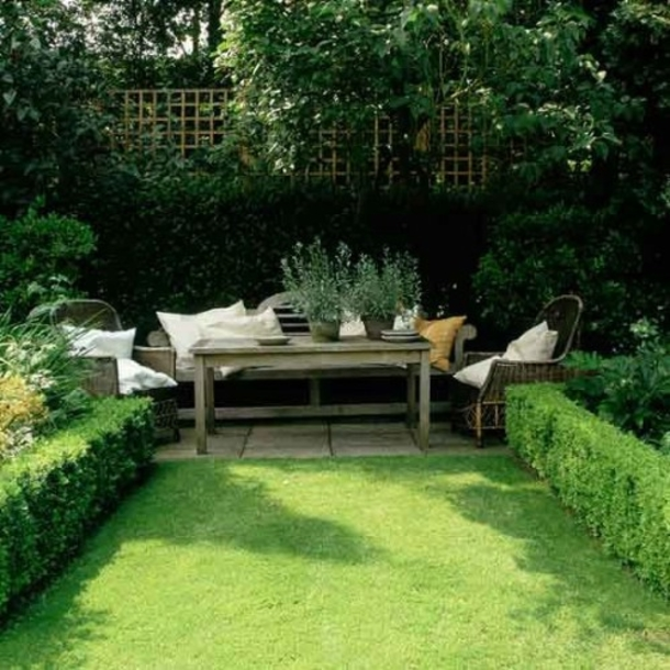 10 beautiful small garden ideas. Black Bedroom Furniture Sets. Home Design Ideas