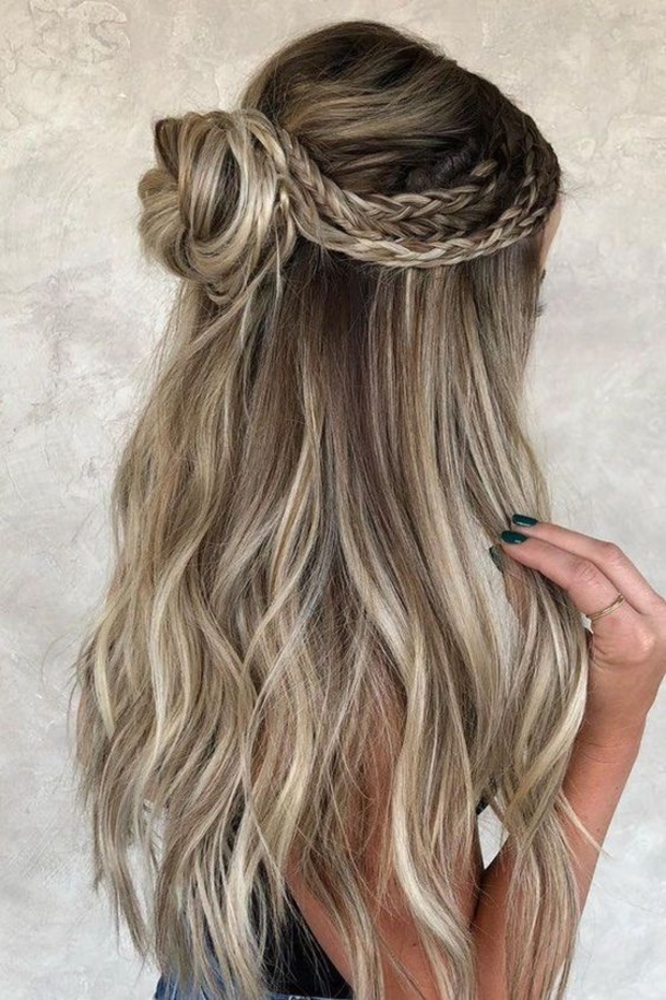 8 Girly And Womens Hairstyles