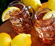 Sweet tea with lemons