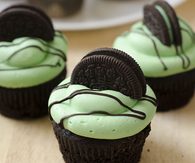 Mint Chocolate Oreo Cupcakes