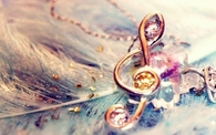 Pretty musical note necklace