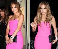 Jennifer Lopez en robe fuchsia