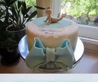 DIY Bow Cake Decoration