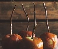 Caramel candy apples