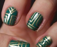 Emerald and gold striping Nails
