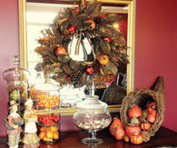 Thanksgiving mantel decoration
