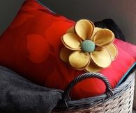 DIY Pillow with Felt Flower