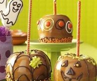 Pumpkins and Leaves Caramel Apples