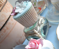 Beautiful Vintage Inspired Cupcakes