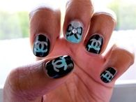 Chanel bow nails