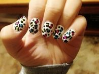 Colored animal print nails