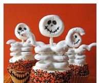 DIY Halloween Ghost Cupcakes