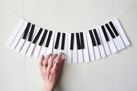 Piano Garland