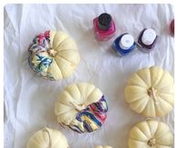 DIY Nail Polish Marbled Pumpkins