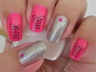 Glitter pink bow nails