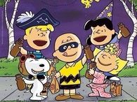 Halloween Snoopy and Peanut Gang