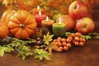 Simple Thanksgiving Centerpiece of Mini Pumpkins, Candles & Apples