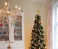 Pretty Pastel Christmas Dining Room