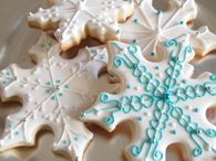 Pretty Snowflake Cookies