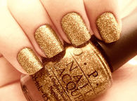 Gold Glitter Nails for New Years Eve