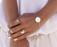 White Nails & Jewelry