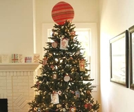 Paper tree toppers and ornaments