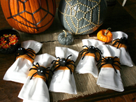 Creepy crawly napkin rings