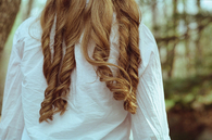 Honey blonde curl coil
