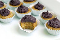 Raw mulberry coconut cupcakes