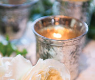 White rose table decor