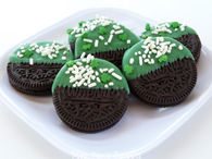 St. Patrick's Day Dipped Oreos