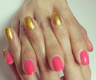 Neon pink and gold nails