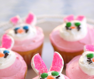 EASTER BUNNY AND FLOWER CUPCAKES