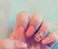 Peachy nails
