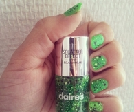 Green splatter nails