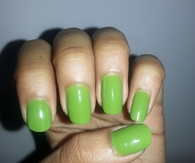 Green summer nails