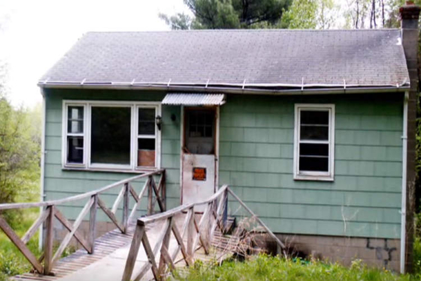 She Purchased A Foreclosed Cabin From The 50 39 S What She